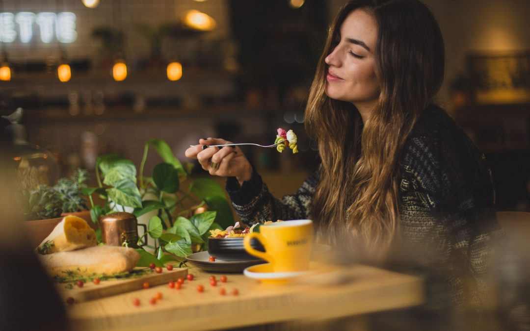 Our Favorite Food Blogs for a Healthy Dinner